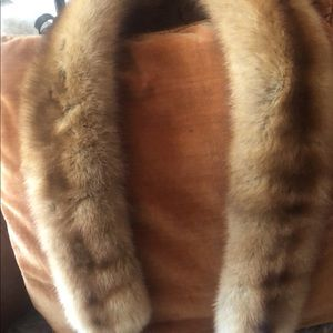 Real collar fur